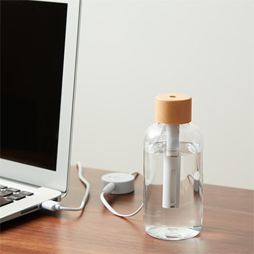 おしゃれな木目調 クリアボトル型加湿器の画像 3